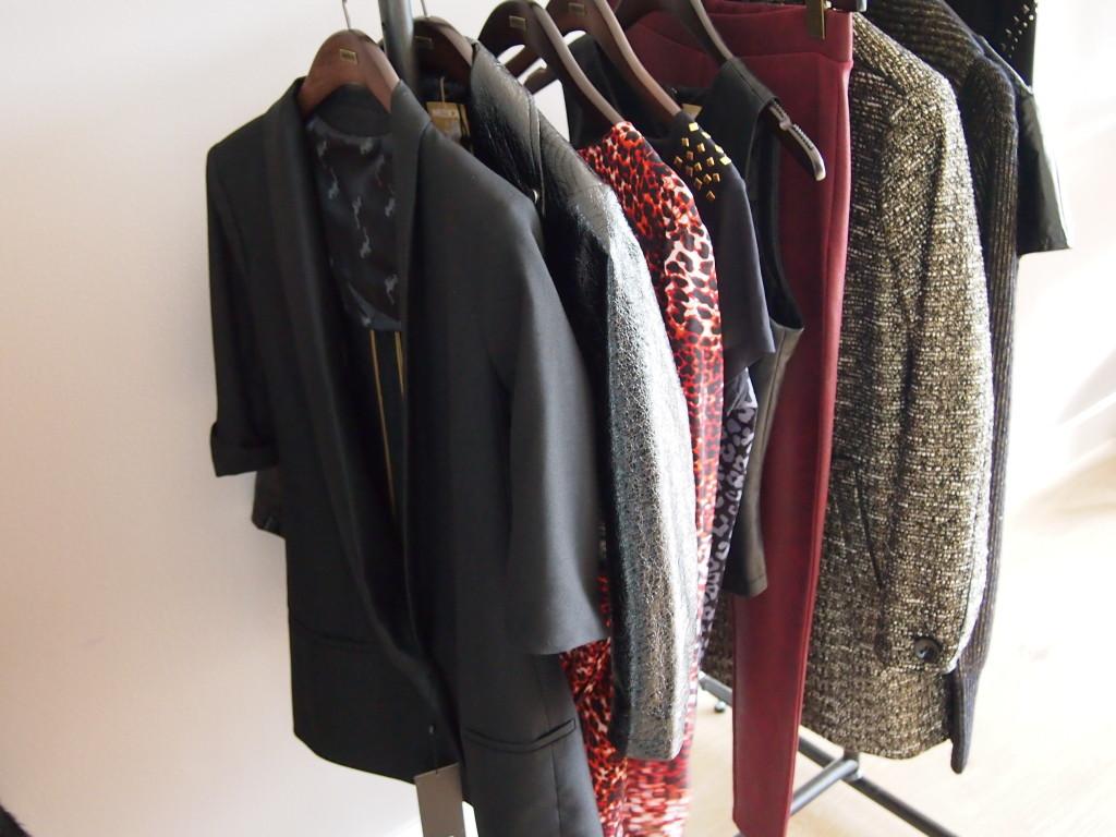 Sneak Pic van de collectie met vooraan mijn favoriet: het tuxudo jasje met korte mouwen! LOVE!