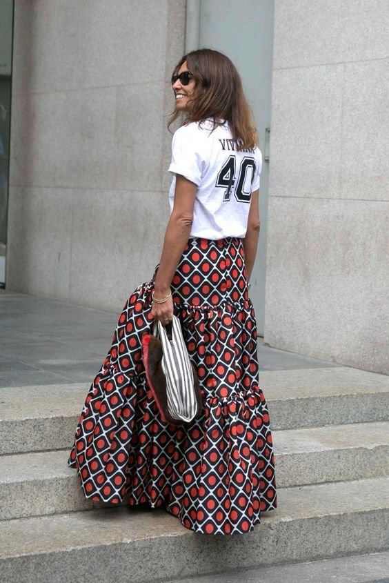 Trend: Maxi skirt and slogan tee's