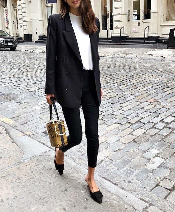 De 5 wardrobe essentials die iedere vrouw nodig heeft!