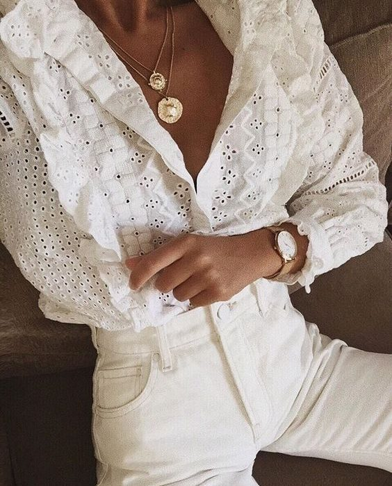 15 X De mooiste witte embroidered blouses