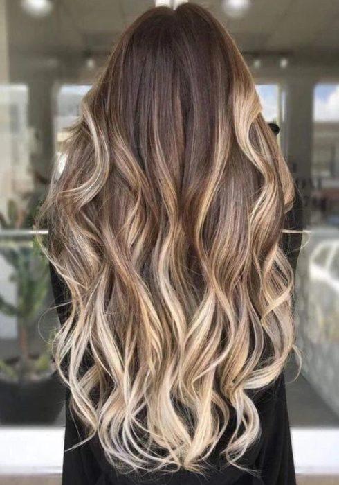 Deze haarkleur is momenteel mega populair