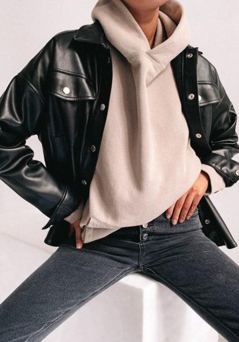 Zo style je een hoodie op een stijlvolle & trendy manier!