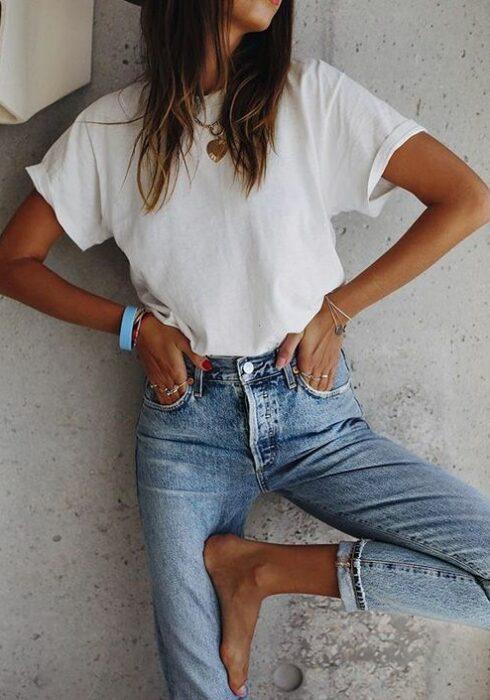 Dit is hét perfecte basic shirt dat iedere vrouw zou moeten hebben!