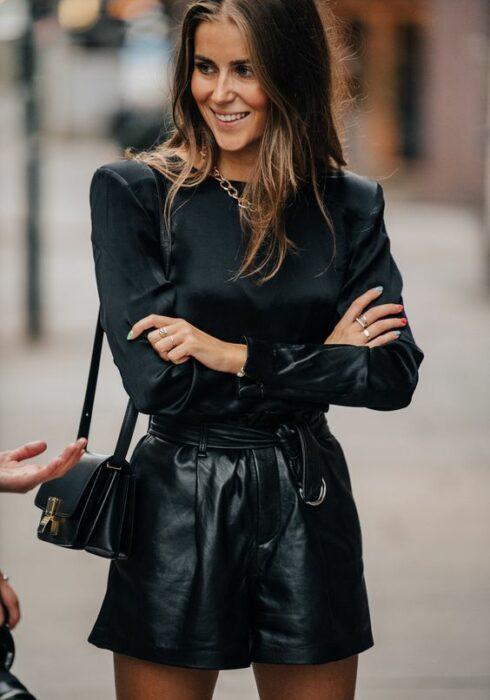 De chiqueste zwarte blouses