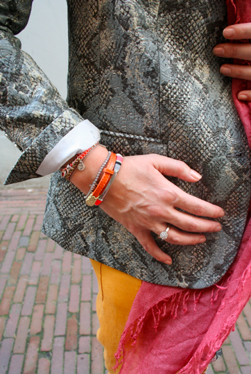 LOOK OF THE WEEK: Mix & Match colors and textures