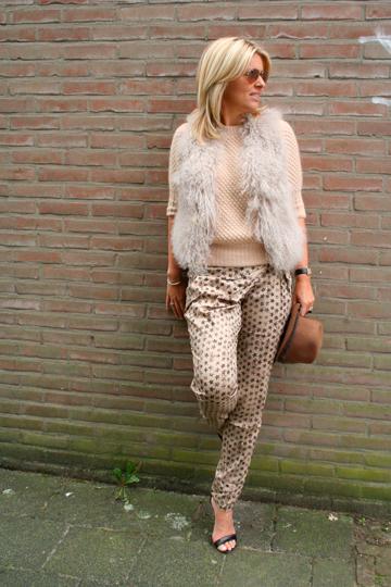 Look of the Week…prints+Fur+Nude+Hat…